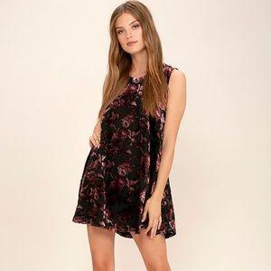 BB Dakota Britannia Burgundy Velvet Floral Dress